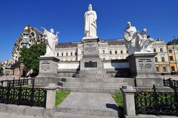 фото Михайловской площади